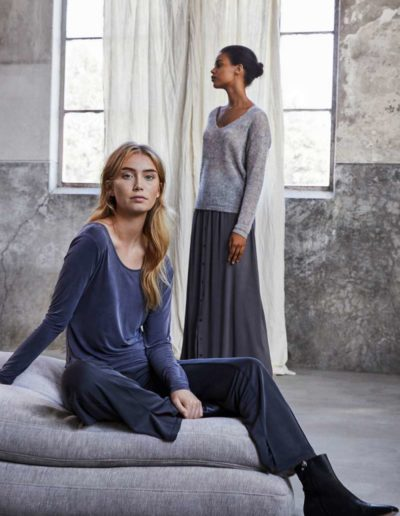 Simple-the-Brand-Fall-Winter-20-Brave-grey-skirt_Vince-sweater-grey-Oscar-shirt-grey-Vlada-antraYcyWdiSMxy49X_600x600@2x