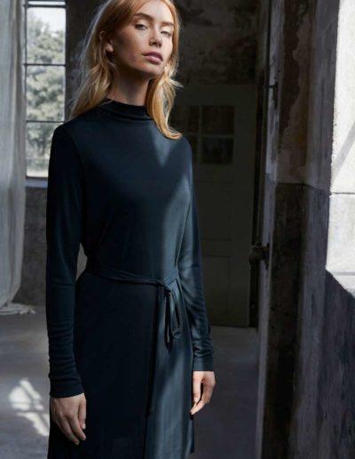 Simple-the-Brand-Fall-Winter-20-Emmelie-black-dress_600x600@2x